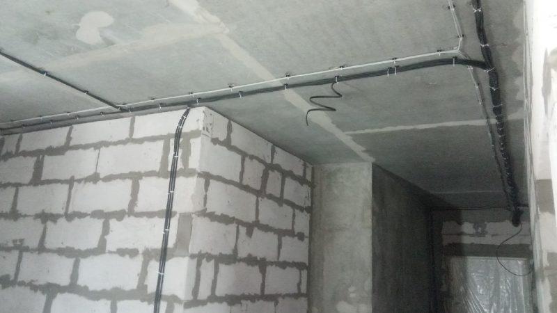 Прокладка кабеля электриком